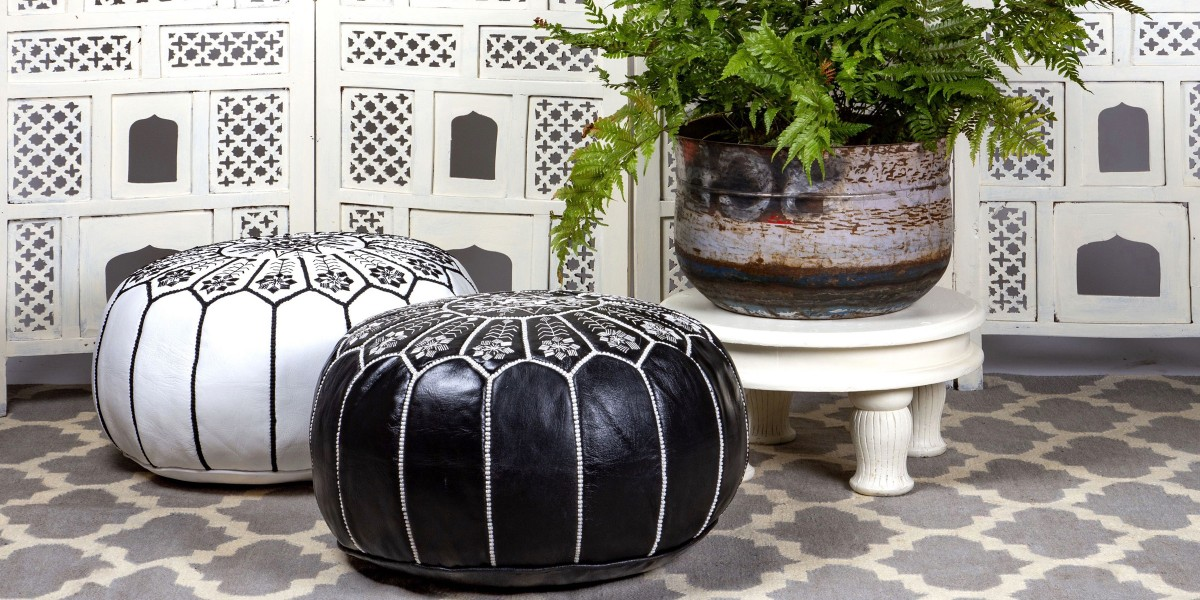 Header shot pouffes