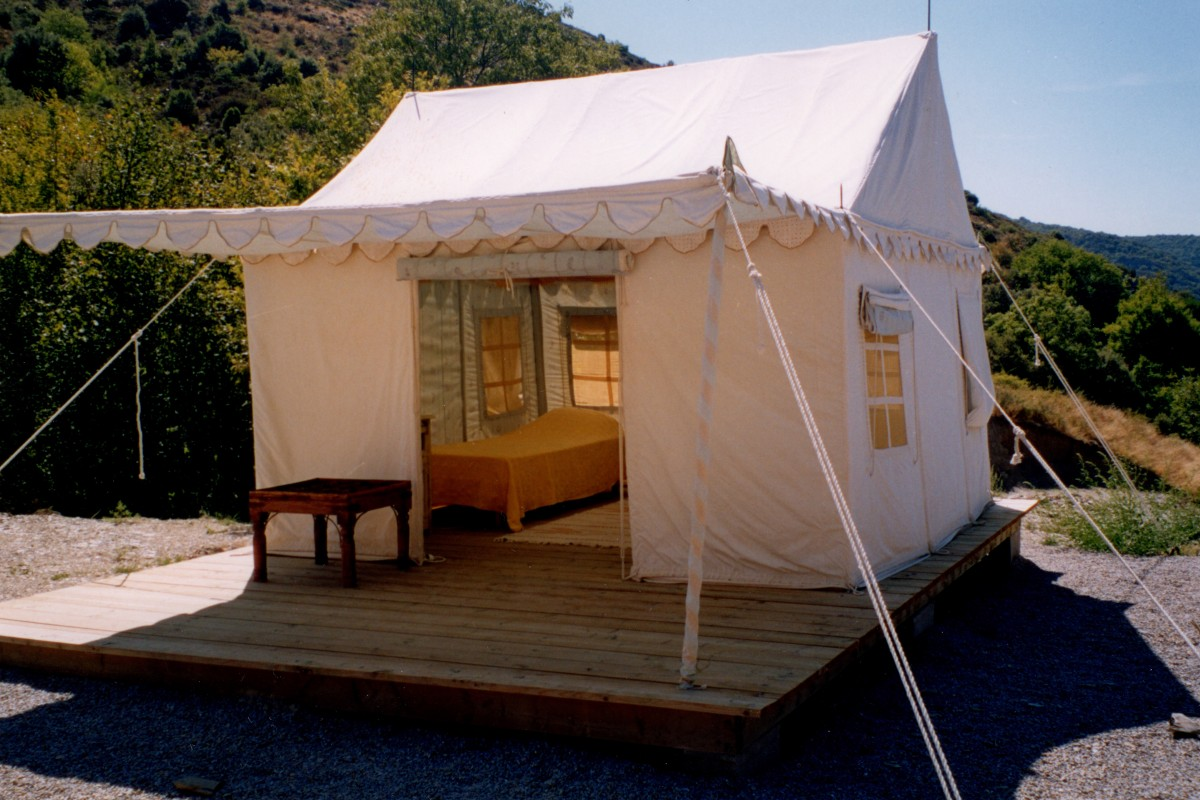 Tented camp Lilypond tent