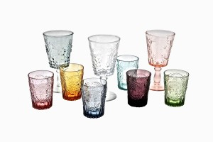 Decorative wine glasses and drinking glasses
