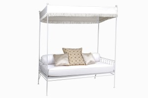 Palm Springs daybed white with fringed canopy