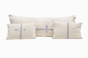 Sofa set of three french linen cushions